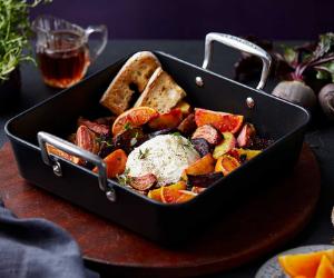 Le Creuset non-stick roasting pan