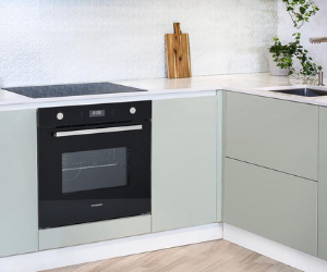 Black built under oven with silver handle