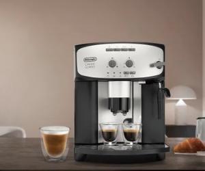 De'Longhi silver and black automatic coffee machine
