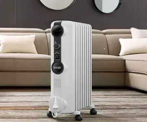 De'Longhi portable oil-filled radiator on casters