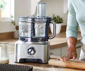Food processor on kitchen worktop
