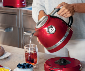 KitchenAid red variable temperature kettle with cup
