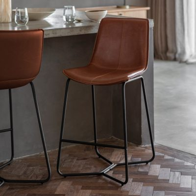 Hawkley Faux Leather Bar Stool in Brown (Set of 2) Image 2