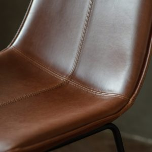 Hawkley Faux Leather Bar Stool in Brown (Set of 2) Image 3
