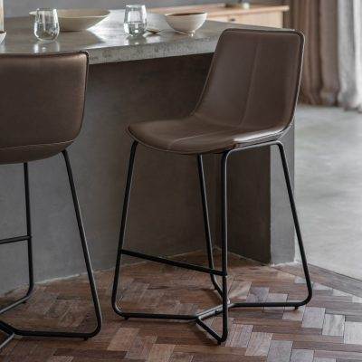 Hawkley Faux Leather Bar Stool in Taupe (Set of 2) Image 2