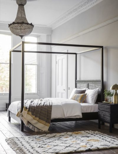 Khaleesi Mango Wood 4 Poster King Bed Frame in Black